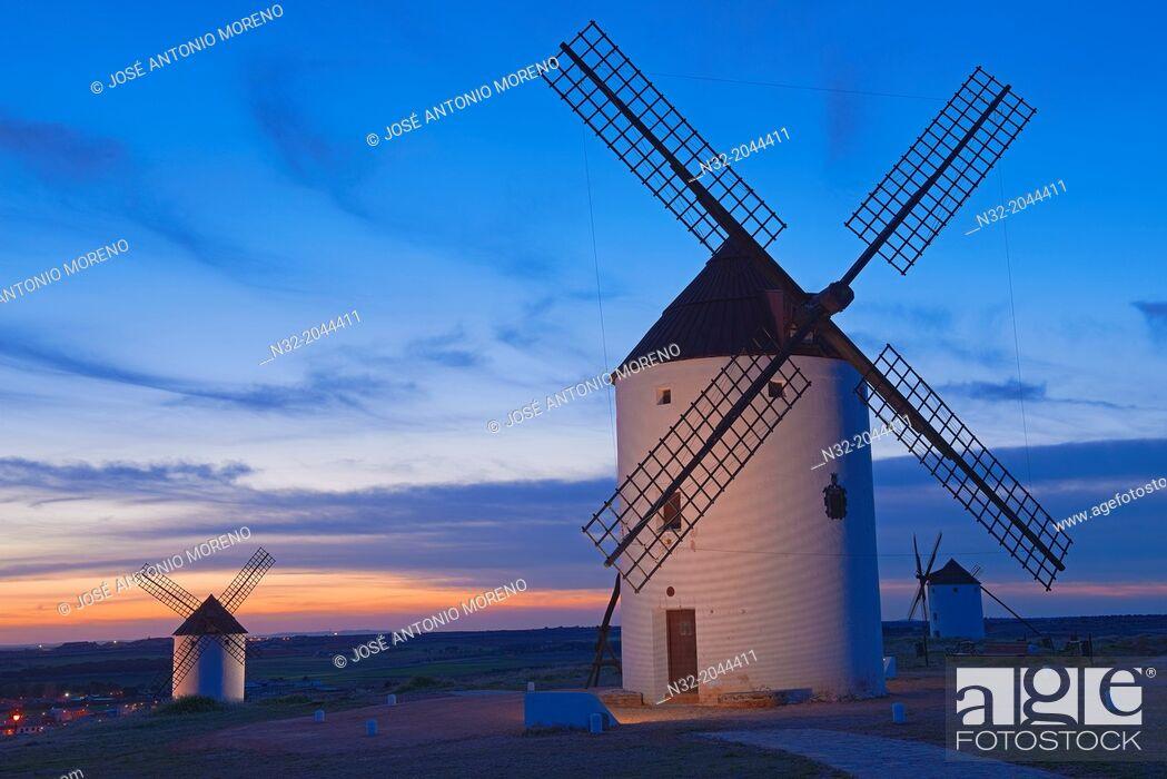 Stock Photo: Mota del Cuervo, Windmills, Route of Don Qiuijote, Cuenca province, Castilla-La Mancha, Spain.