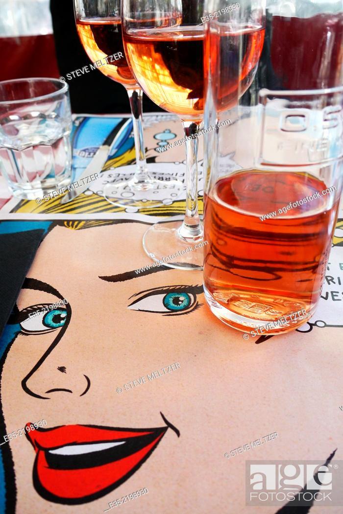 Imagen: A restaurant with a pop-art theme.