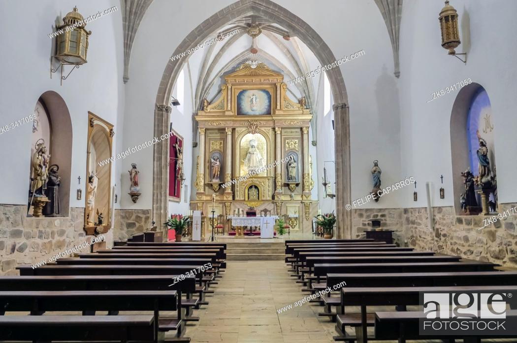 Photo de stock: Interior of the church of Nuestra Señora de la Asunción, High Altar, located next to the Palace of the Marqués de Santa Cruz, Archive of the Navy.