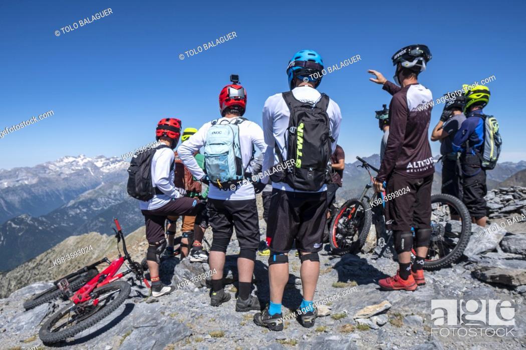 Stock Photo: Helibike, Punta Suelza, 2972 metros, Huesca, Spain.