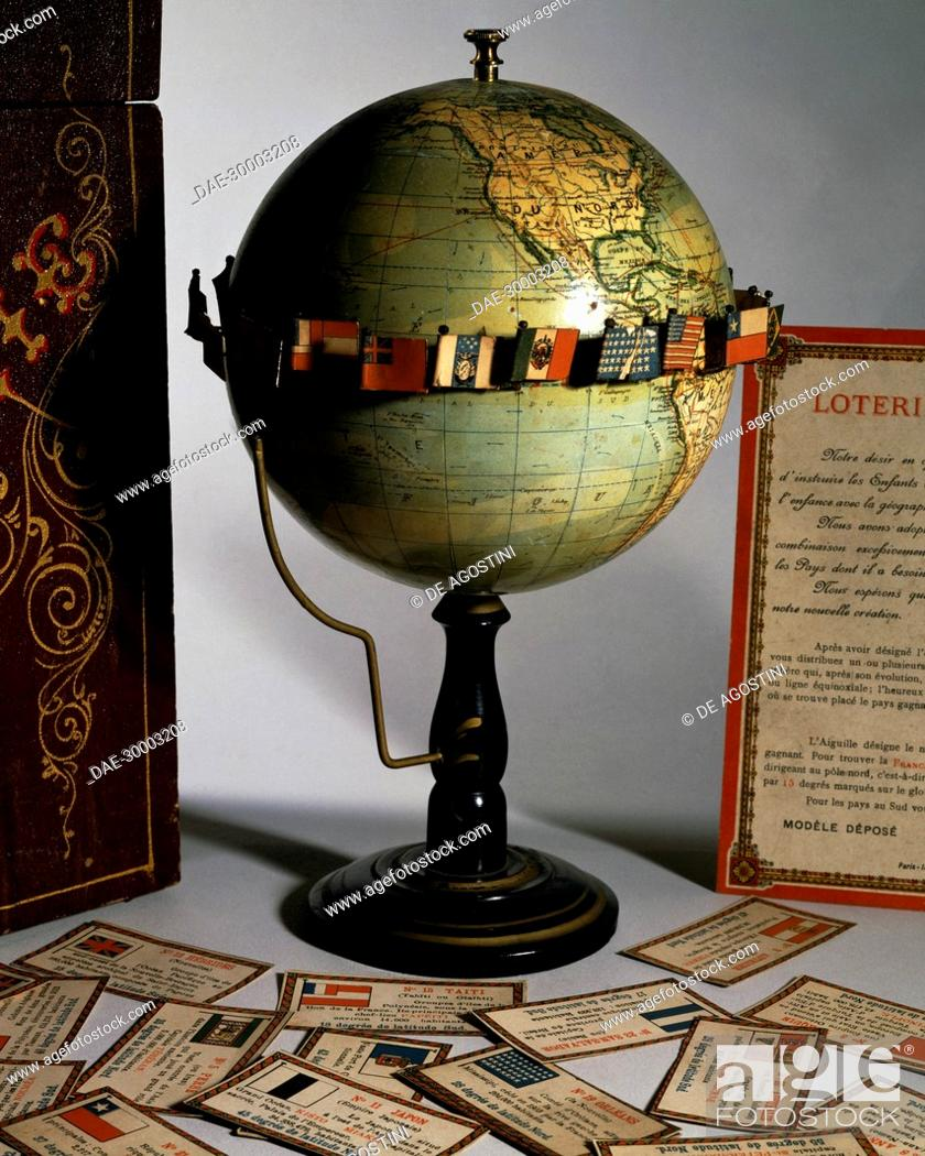 Imagen: Loterie Geographique terrestrial globe, ca 1910, made by R Barbot, Paris. Italy, 20th century.  Private Collection.