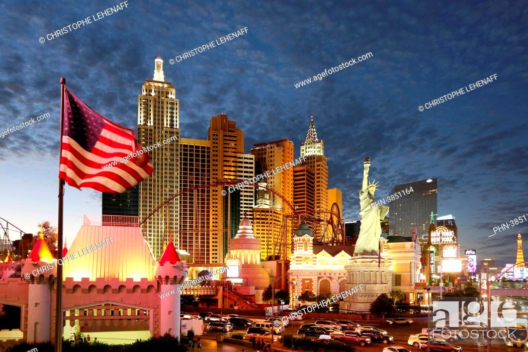 Stock Photo: USA. Nevada. Las Vegas. Las Vegas Boulevard. Casino New York at night.