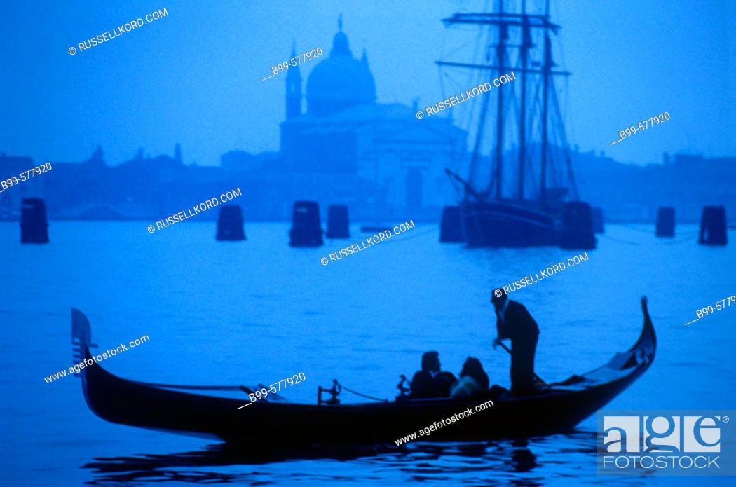 Stock Photo: Gondola, Venice, Italy.