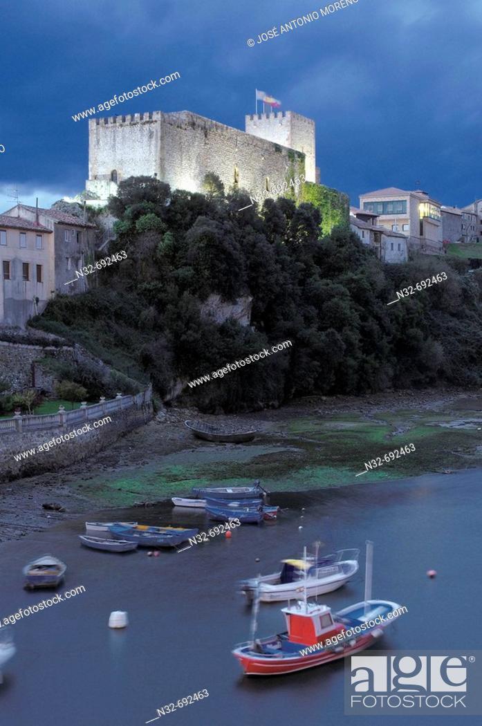 Stock Photo: San Vicente de la Barquera Castle at dusk. Cantabria. Spain.