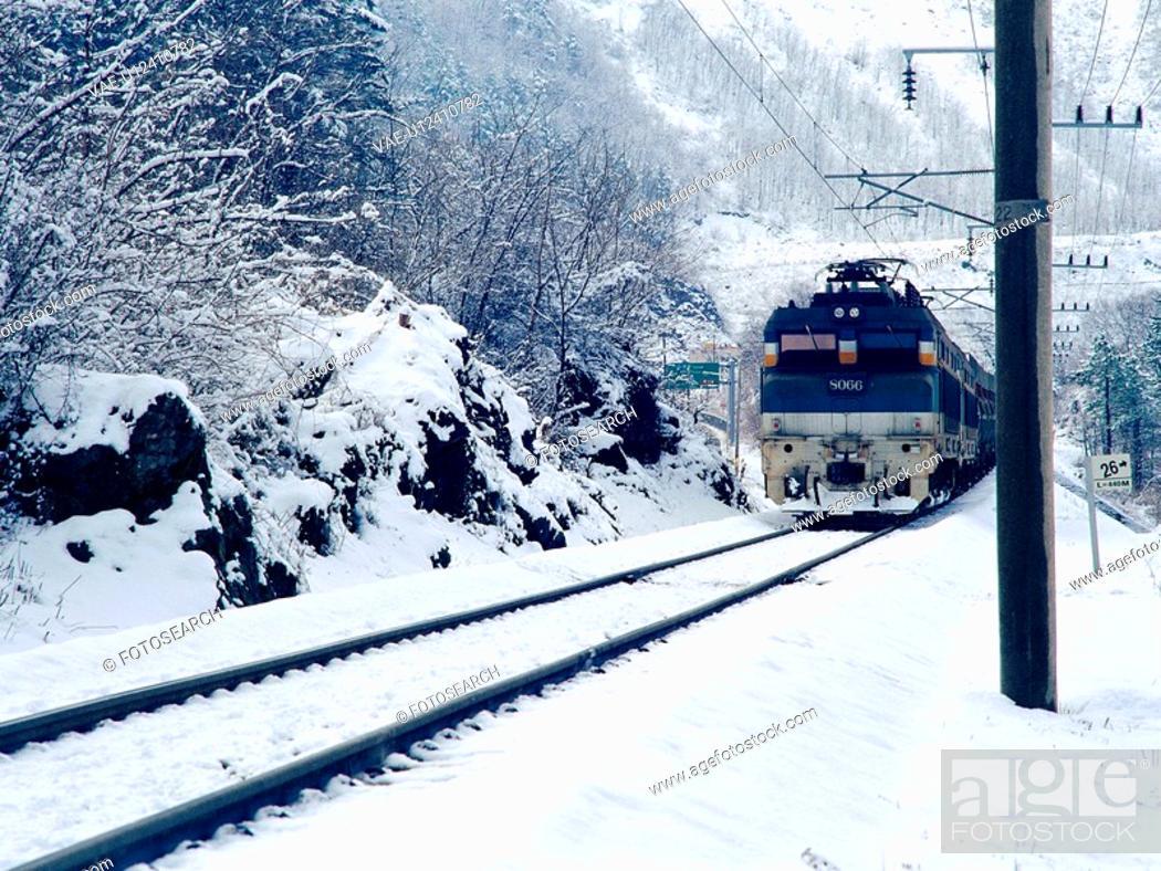 Stock Photo: cold, scenery, train, railroad, snow, film.