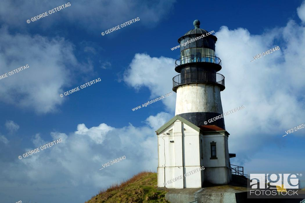 Imagen: Cape Disappointment Lighthouse, Cape Disappointment State Park, Lewis and Clark National Historical Park, Washington.