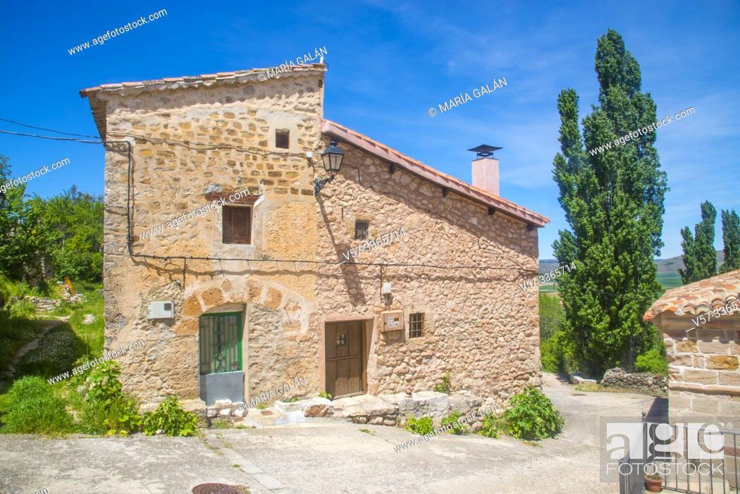 Imagen: Facade of house. Carabias, Guadalajara province, Castilla La Mancha, Spain.