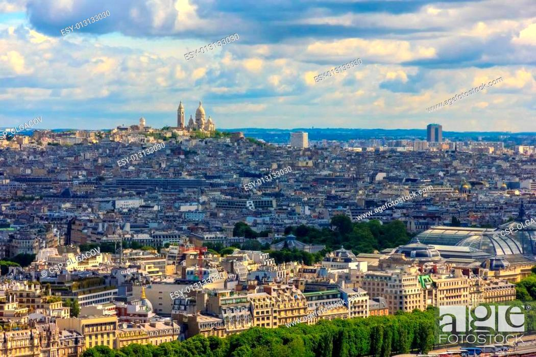 Stock Photo: View of Paris, the hill Montmartre and the Sacre Coeur Basilica and from Notre Dame cathedral.