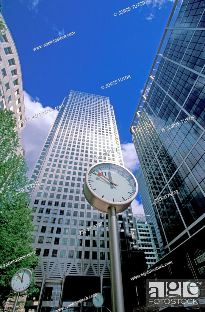Imagen: Canary Wharf Clocks, Mondaine type, London Docklands, England, UK.