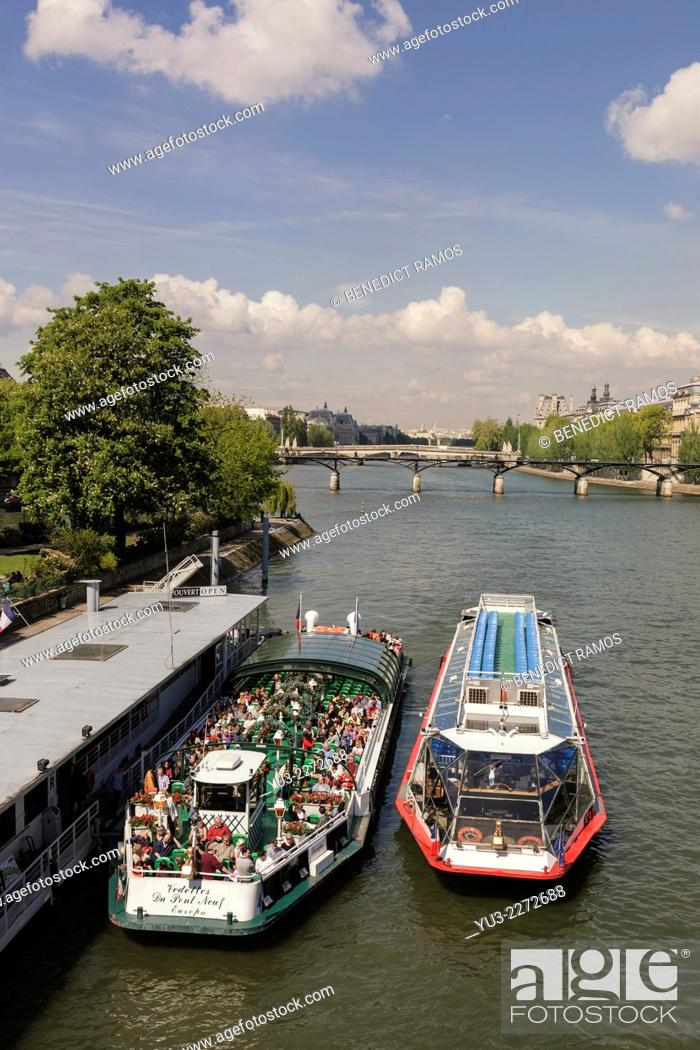 Stock Photo: Tourist sightseeing boats on Riverf Seine, Paris, France.