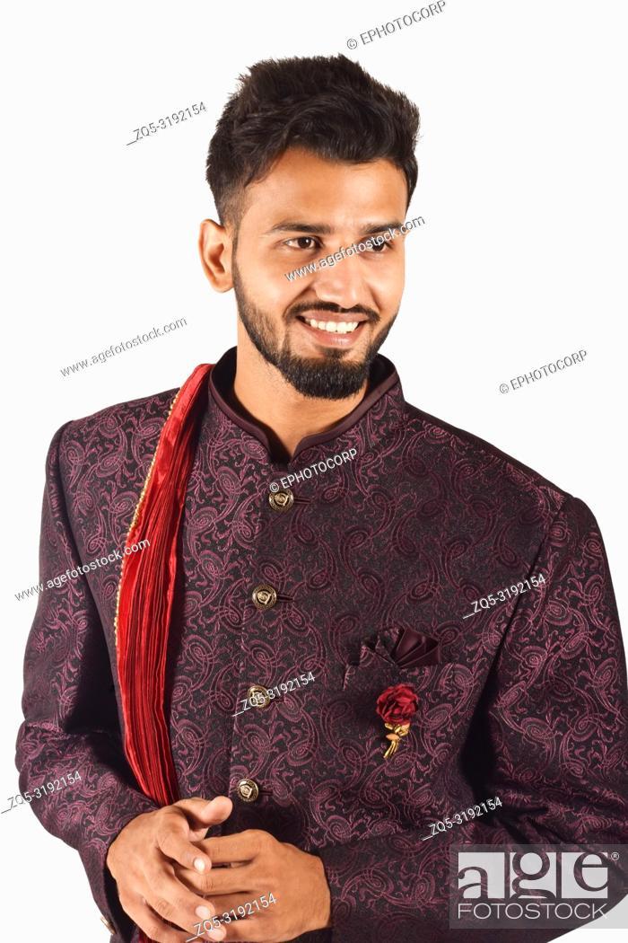 Imagen: Handsome boy in Indian traditional attire posing for camera, Pune, Maharashtra.