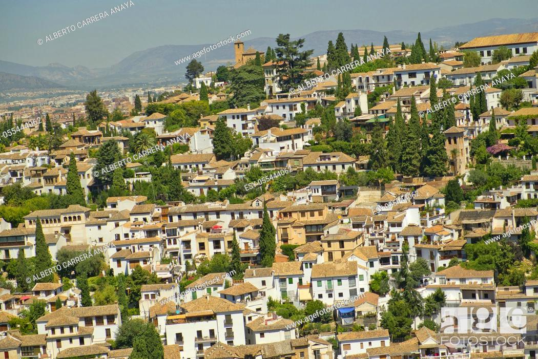 Imagen: Albaicín Neighborhood from La Alhambra, UNESCO World Heritage Site, Granada, Andalucía, Spain, Europe.