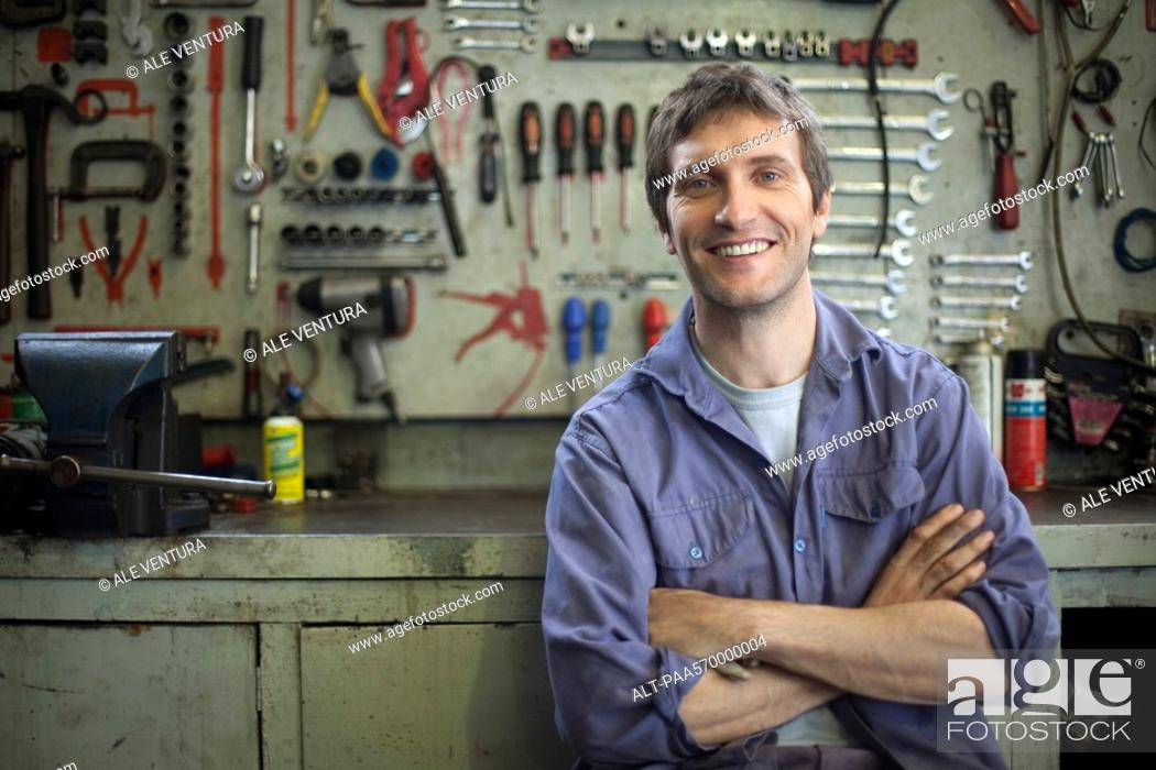 Stock Photo: Mechanic, portrait.