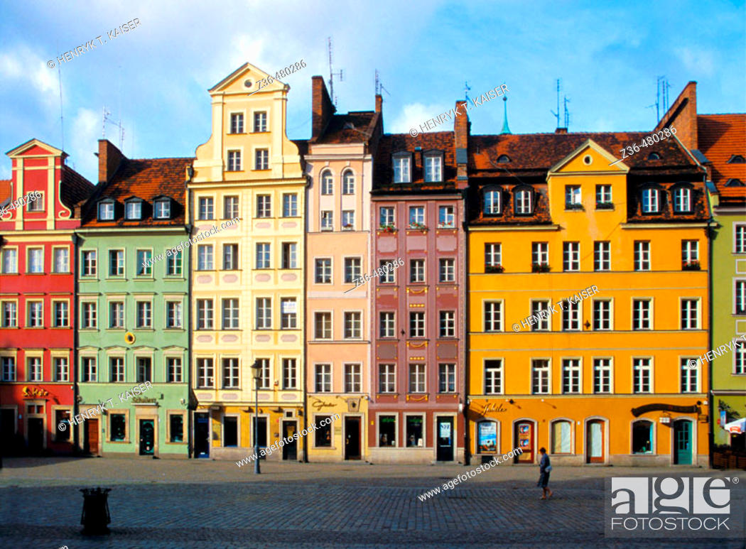 Stock Photo: Beautiful houses at Main Market Square in Old Town Wroclaw of Poland.