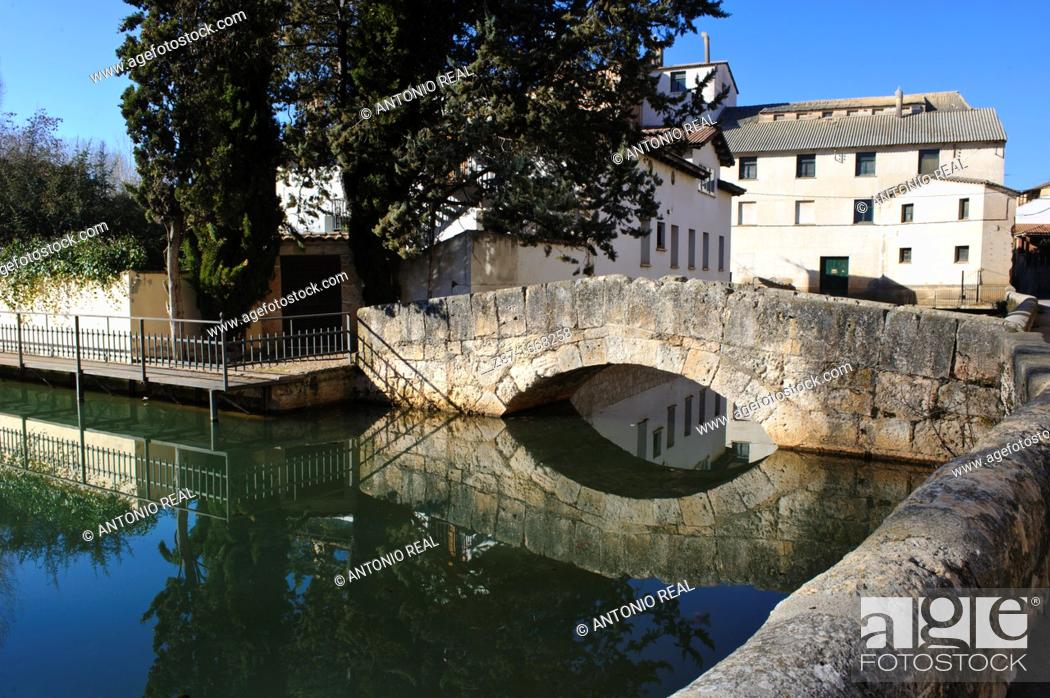 Imagen: River Duero, San Esteban de Gormaz, Ribera del Duero, Camino del Cid, Soria province, Castilla-Leon, Spain.