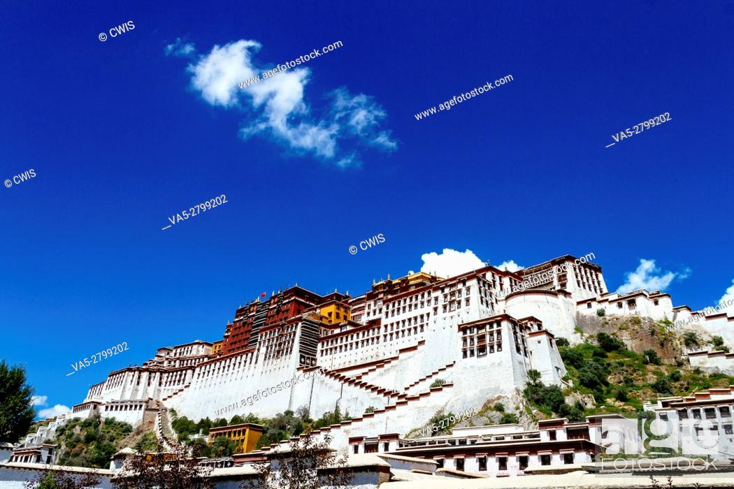 Stock Photo: Lhasa, Tibet, China - The view of Potala Palace in the daytime.