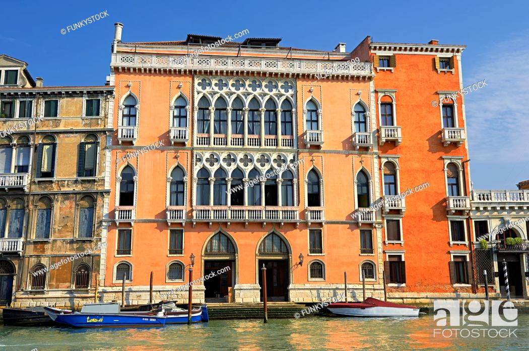 Imagen: Venetian Gothic Palaces on the Grand Canal Venice.
