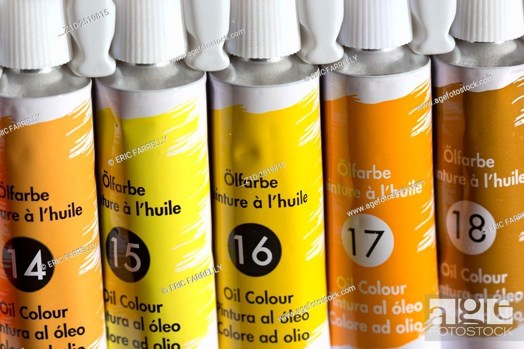 Imagen: oil paint tubes.