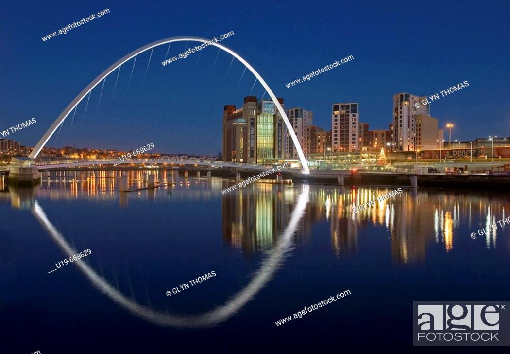 Stock Photo: Millennium Bridge and Baltic Flour Mill, Gateshead, England, UK.