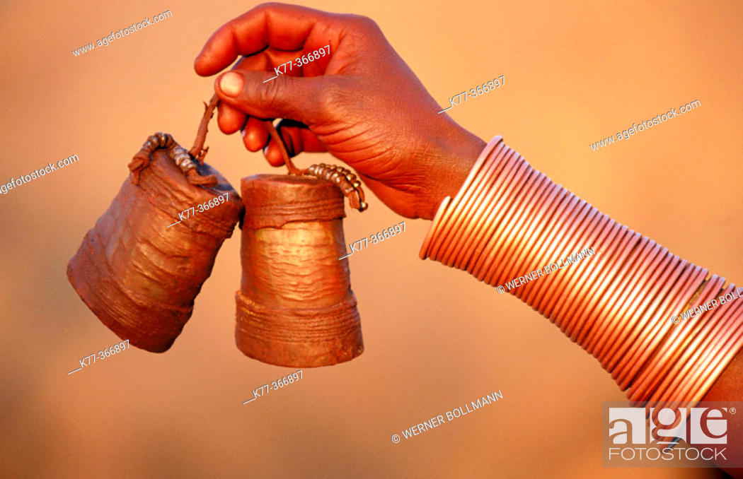 Stock Photo: Make-up containers made of cow horn, of the Himba woman. Kaokoveld. Namibia.