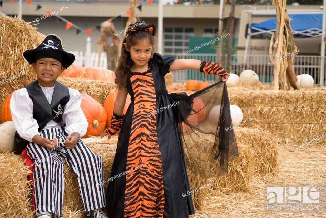 Stock Photo: Younglings posing for halloween.