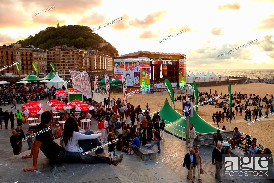 Stock Photo: Terraces on the beach of La Zurriola, Jazz Festival, Donostia, San Sebastian, Gipuzkoa, Basque Country, Spain.