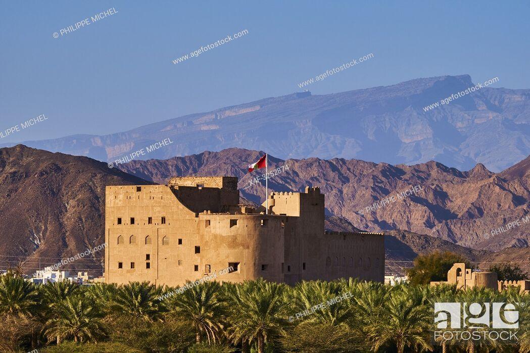 Stock Photo: Sultanat d'Oman, région de Al-Dakhiliyah, montagnes du Hajar occidental, château de Jabrin /Sultanate of Oman, Ad-Dakhiliyah Region.