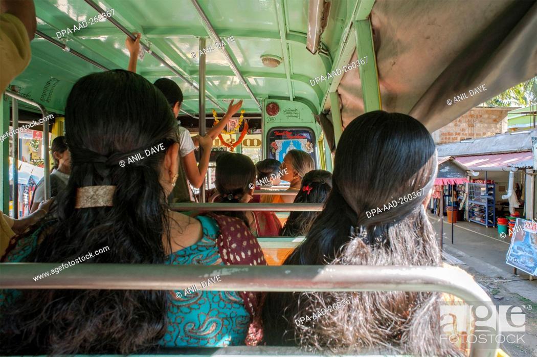 Imagen: woman sitting in bus, Palayoor, Kerala, India, Asia.