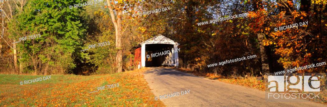 Stock Photo: Melcher Covered Bridge Parke Co IN USA.