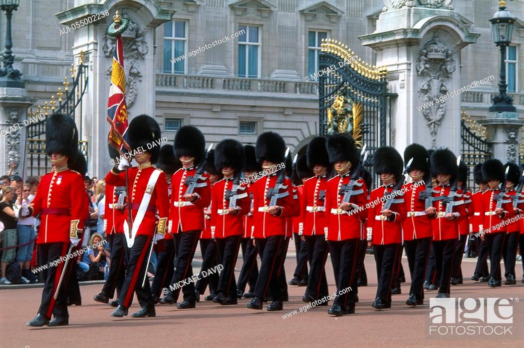 Stock Photo: England - London - St James's district - Buckingham Palace - changing of the guard.