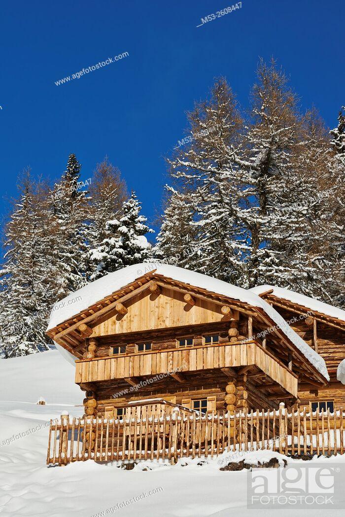 Imagen: Wooden mountain chalet on Mount Elmo. sesto Municipality. Bolzano Province. Trentino-Alto Adige. Italy.