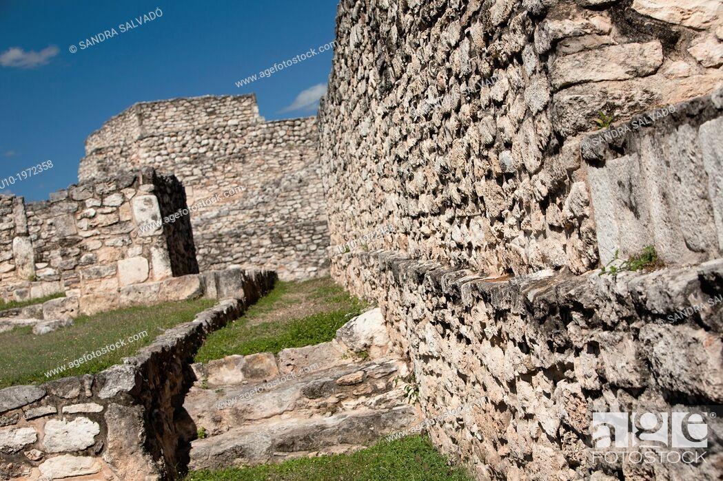 Stock Photo: Mayan arqueological site Mayapan, Peninsula Yucatan, Mexico.