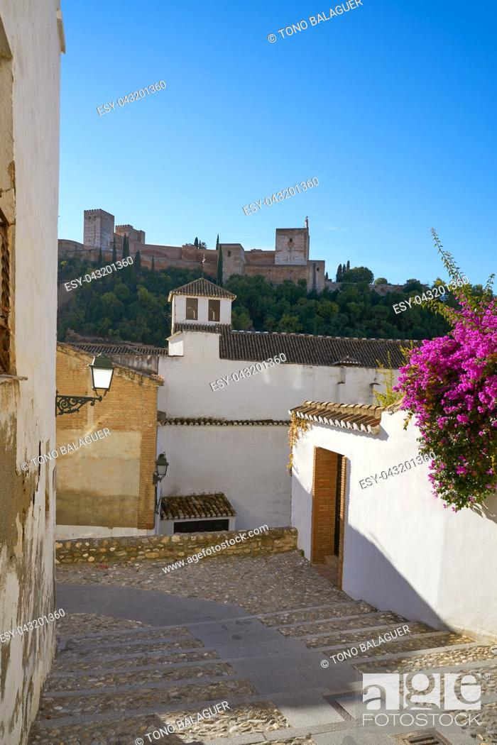Imagen: Alhambra view from Albaicin of Granada arabic old district of Andalusia muslim Spain.