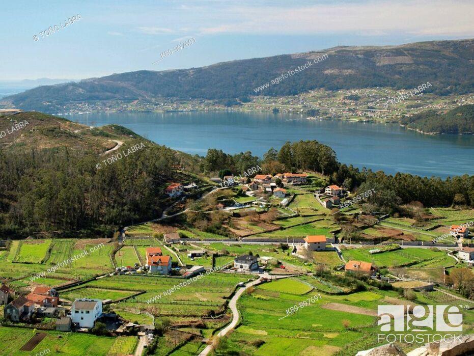 Stock Photo: Ría de Vigo. Mirador Castro da Peneda. Pontevedra. Galicia. España.