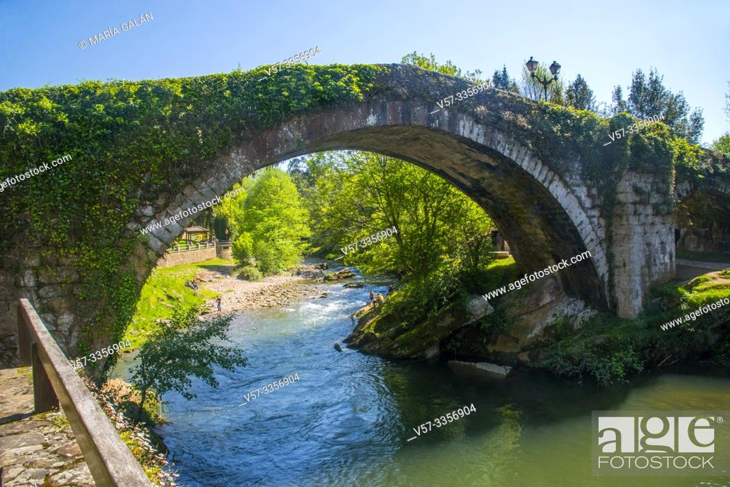 Stock Photo: Mayor bridge over river Miera. Lierganes, Cantabria, Spain.