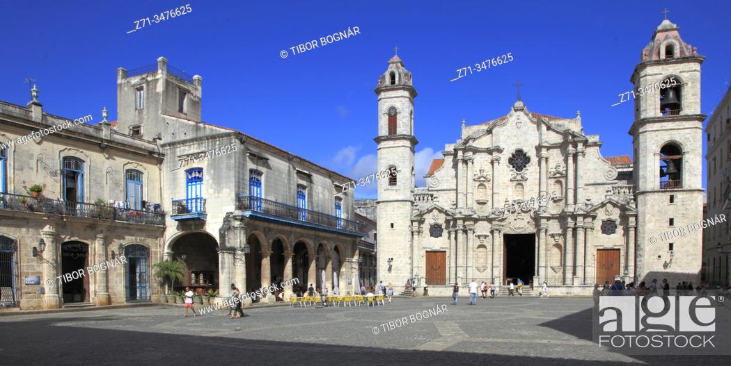 Stock Photo: Cuba, Havana, Plaza de la Catedral, Cathedral, .