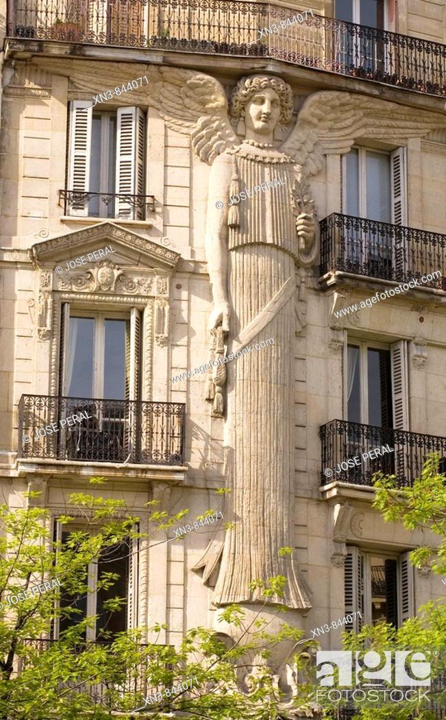 Stock Photo: Decorated building Paris, France,.