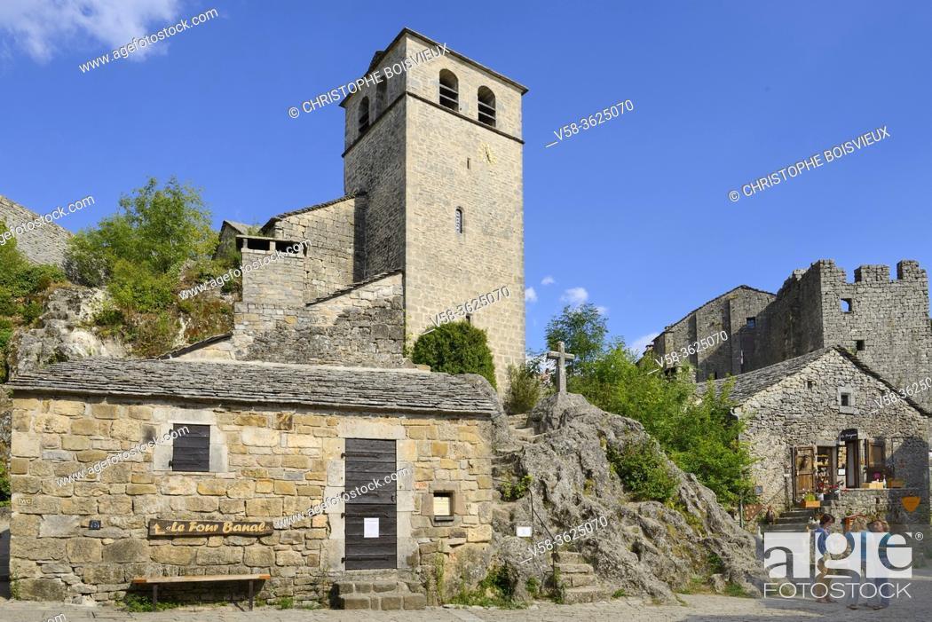 """Stock Photo: France, Aveyron, La Couvertoirade, listed """"""""Un des plus beaux villages de France"""""""", Saint-Christol church and castle."""