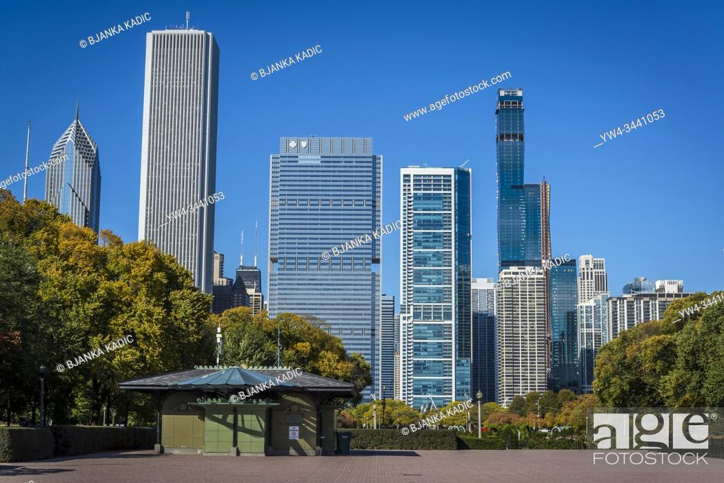 Stock Photo: Grant Park and skyline of skyscrapers north the Millennium Park, Chicago, Illinois, USA.