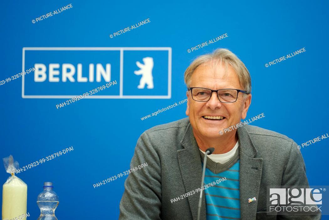 "Stock Photo: 23 September 2021, Berlin: Bernd Oettinghaus, initiator of the campaign """"October 3rd - Germany sings"""" and chairman of Danken.Feiern.Beten.e.V."