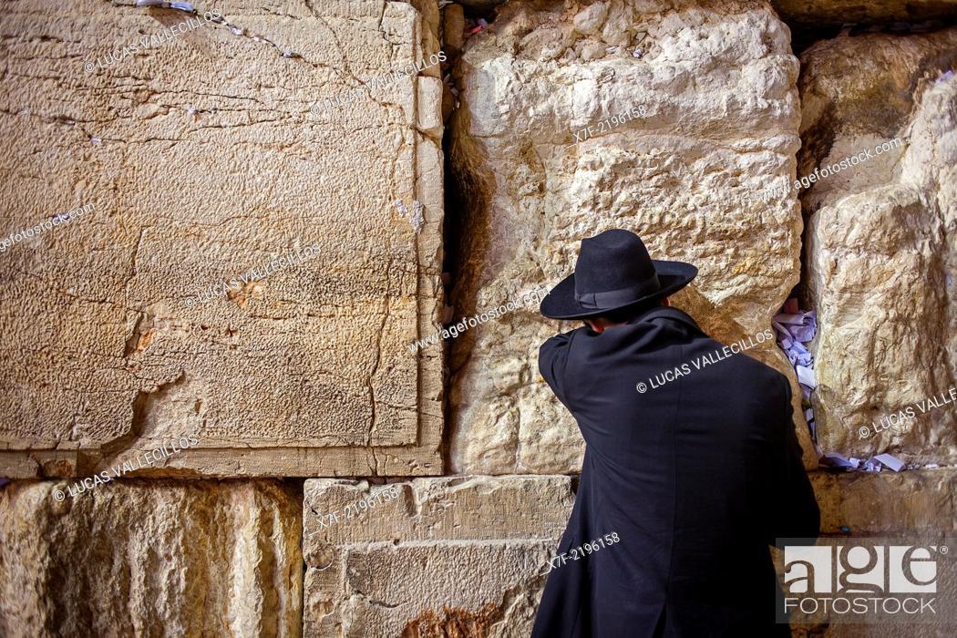 men's prayer area, man praying at the Western Wall, Wailing
