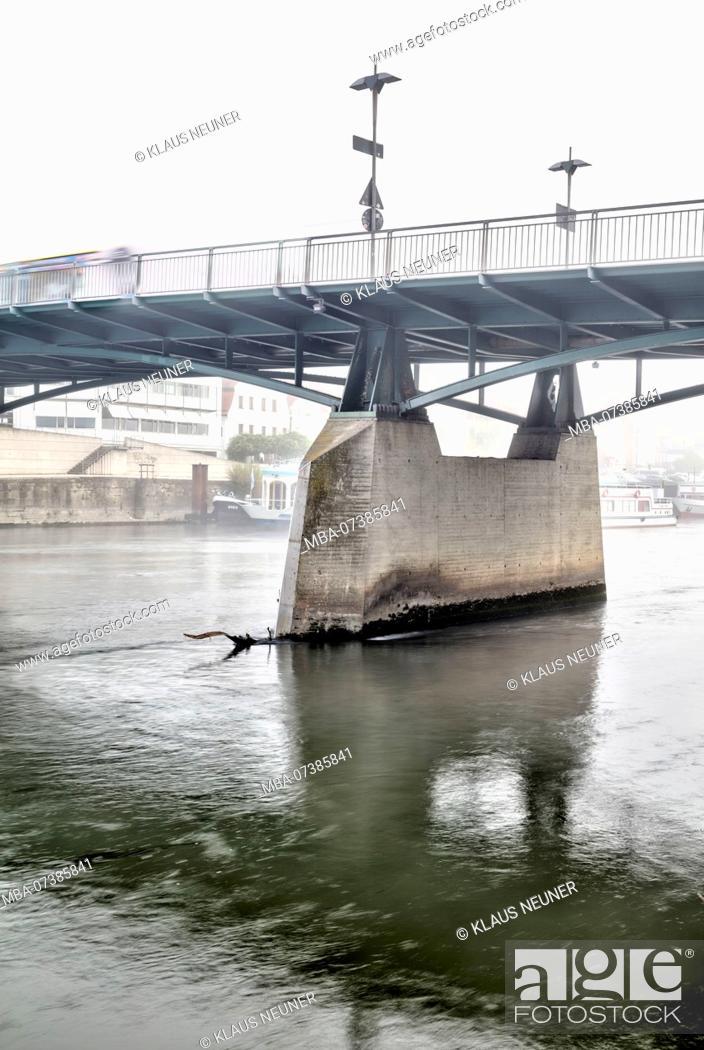 Stock Photo: Iron Bridge, autumn, fog, Regensburg, Upper Palatinate, Bavaria, Germany, Europe,.