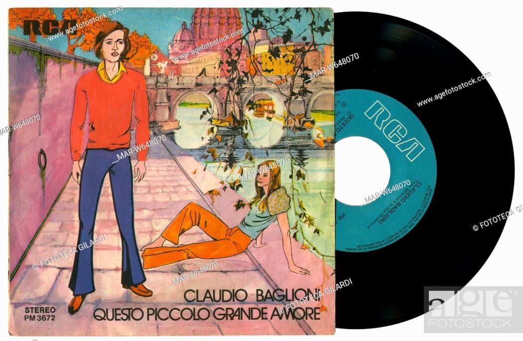 Imagen: MUSICA LEGGERA Claudio Baglioni, copertina disco 45 giri 'Questo piccolo grande amore' Etichetta RCA Italia 1972,,Copyright © Fototeca Gilardi.
