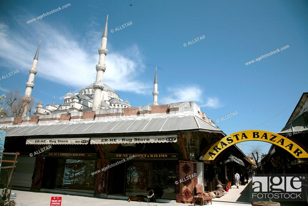 Stock Photo: ARASTA BAZAAR & BLUE MOSQUE; SULTANAHMET, ISTANBUL, TURKEY; 04/04/2008.