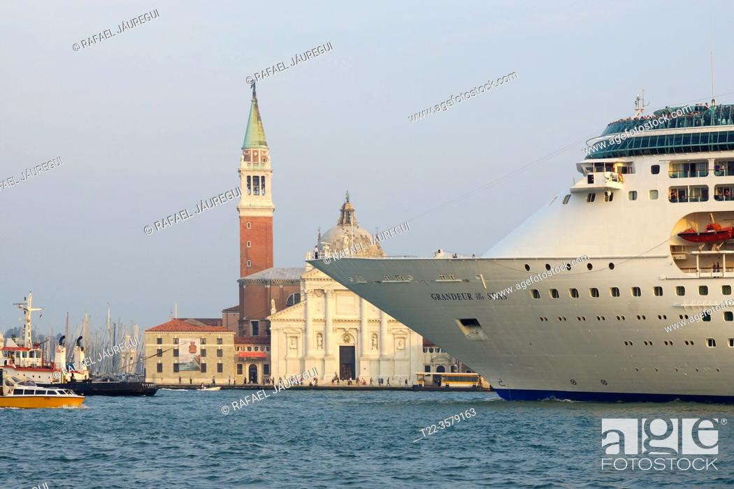 Stock Photo: Venice (Italy). Bow of ocean liner next to the island of San Giorgio Maggiore next to the city of Venice.