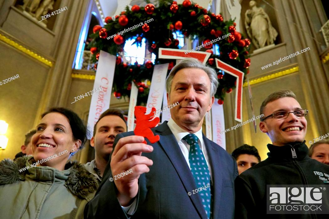 Klaus Wowereit Whit A Bear Symbol Of Berlin And Trainees Of Sos