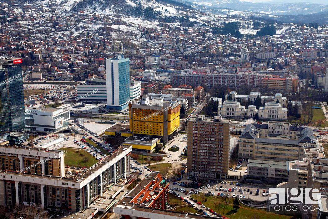 Imagen: HOLIDAY INN HOTEL FROM AVAZ TWIST TOWER; SARAJEVO, BOSNIA & HERZEGOVINA; 15/03/2010.