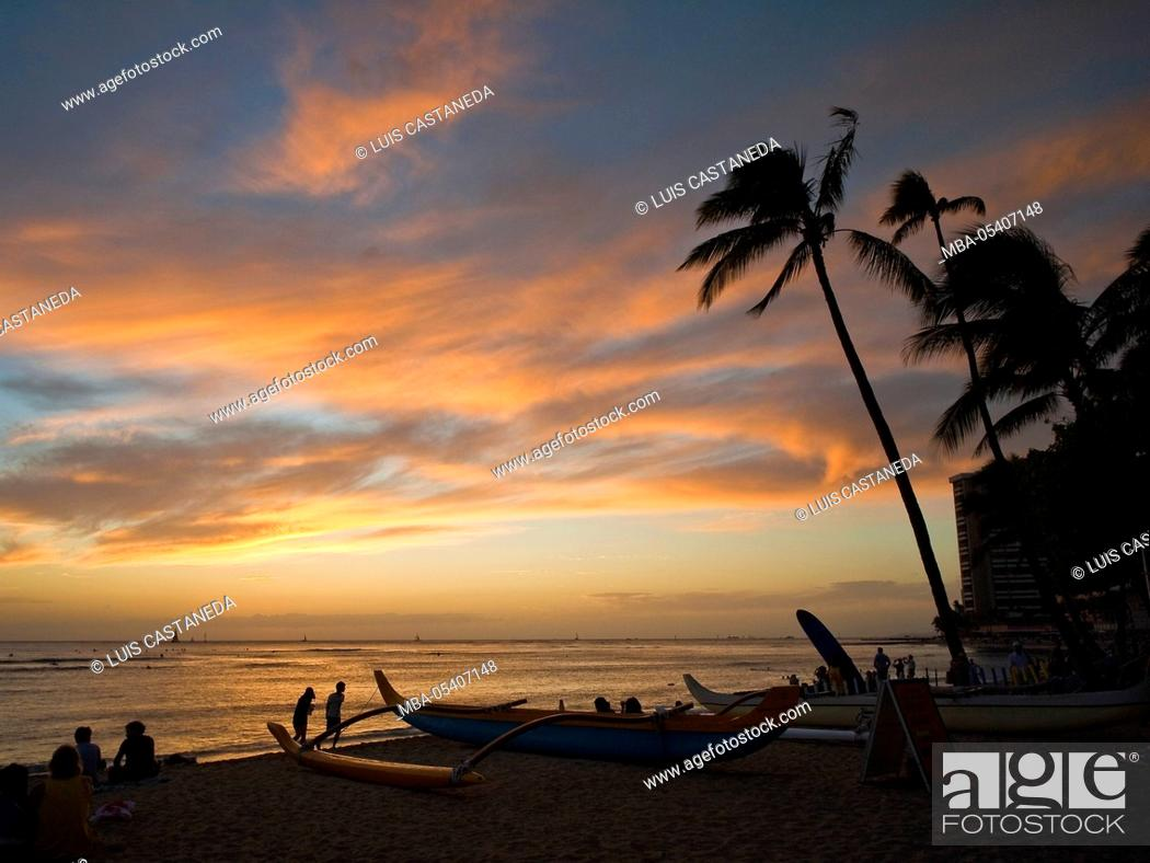 Waikiki Beach Sunset Honolulu Oahu Hawaii Usa Stock