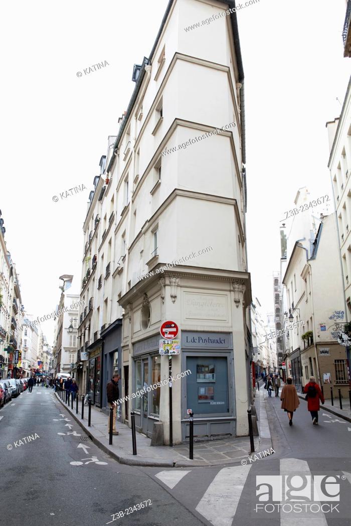 Imagen: Left Bank, Latin Quarter - A fork in the road where Rue de Seine meets Rue de L'Echaude, Paris, France, Europe.