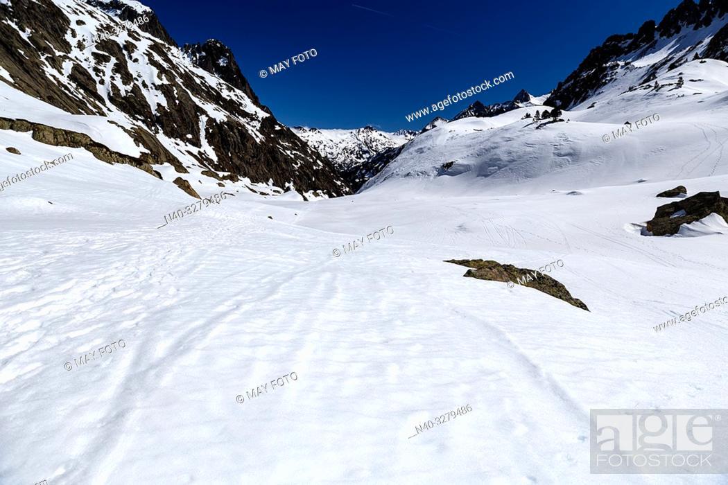 Stock Photo: Remuñe valley, Benasque, Huesca, Aragon, Spain.